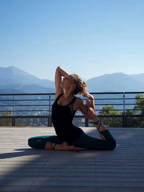 Faire du Yoga tôt le matin pour préparer sa journée et se mettre en bonne condition